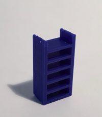 étagère haute étroite bleue