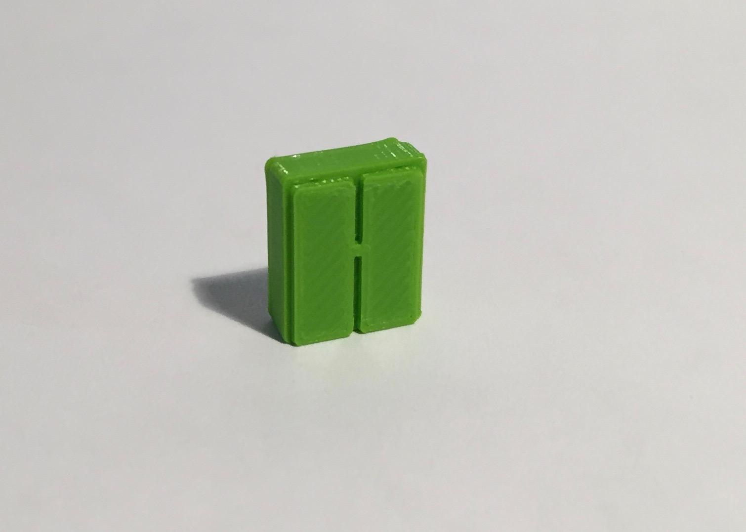 Magnet armoire basse étroite verte