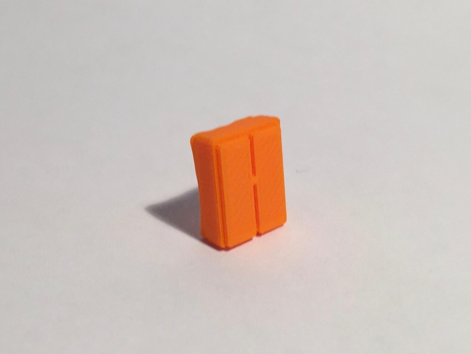 Magnet armoire basse étroite orange